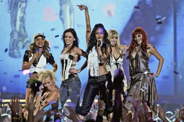 A cantora Nicole Scherzinger com suas colegas de Pussycat Dolls em 2005 (Foto: Getty Images)