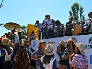 Comitiva Cavalgada 2013 (Foto: Veriana Ribeiro/G1)
