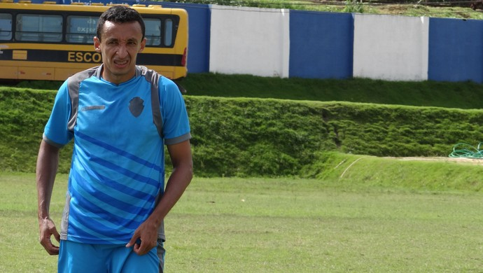 Kel, meio-campo do CSA (Foto: Caio Lorena / Globoesporte.com)