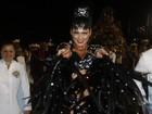 Lívia Andrade, rainha de bateria da Império, comemora título no Anhembi
