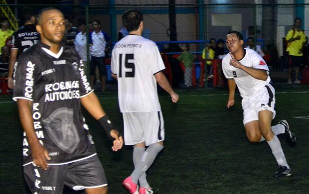 Dom Pedro teve trabalho para eliminar o Botafogo (Foto: Davi Pereira/Jornal F7)