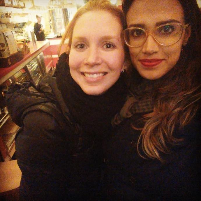 As vocalistas da Georgia e da Gringo's Washboard: Marina e Milena, juntas em Curitiba  (Foto: Arquivo pessoal/ Reprodução Redes sociais)