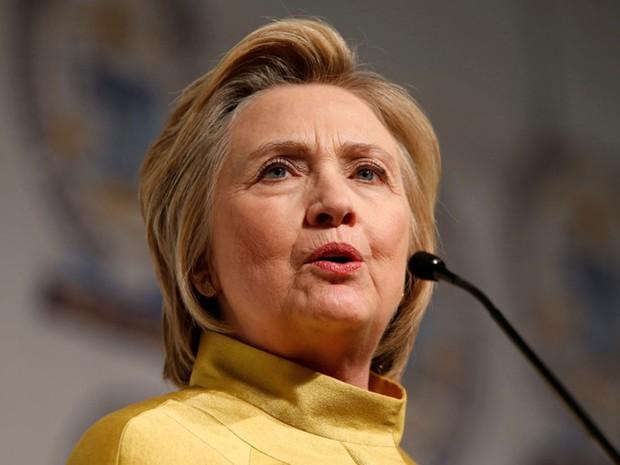 Pré-candidata democrata Hillary Clinton inicia nesta segunda-feira (2) uma turnê por partes das montanhas dos Apalaches (Foto: Rebecca Cook/ Reuters)