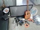 Homem escala telhado de residência e furta eletrônicos, ferramentas e Bíblia