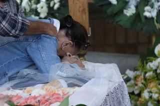 Maria Abujmra, irmã de Antônio Abujamra, no seu velório  (Foto: Thiago Duran/AgNews)
