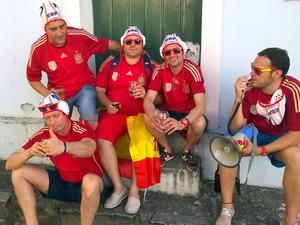 Torcedores espanhóis também marcaram presença no Pelourinho, em Salvador (Foto: Yuri Girardi/G1)