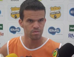 Walter Minhoca, meia do ABC (Foto: Matheus Magalhães/Globoesporte.com)