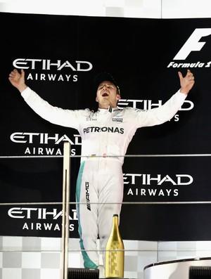 Nico Rosberg celebra título no pódio do GP de Abu Dhabi
