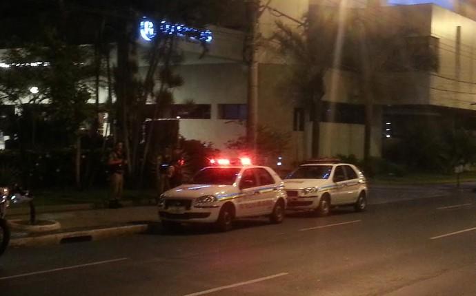 Polícia hotel Flamengo Belo Horizonrte (Foto: Thales Soares)