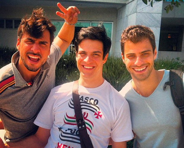 Lucas Malvacine com os amigos de trabalho Júlio Rocha e Mateus Solano (Foto: Arquivo Pessoal)