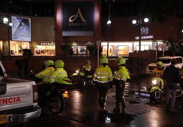 Explosão deixou mortos e feridos no Centro Comercial Andino, um dos shoppings mais conhecidos em Bogotá, na Colômbia (Foto: Mauricio Dueñas Castañeda/EFE)