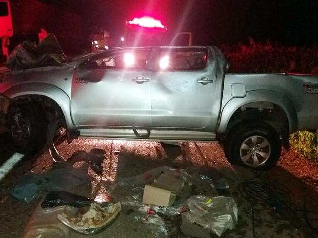 Acidente ocorreu na noite de domingo (13) na BR-364 em Jaciara (MT) (Foto: Assessoria/PRF-MT)
