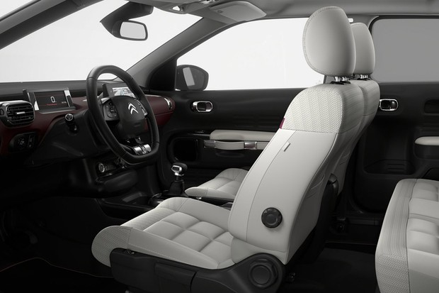 Assentos mais confortáveis e isolamento acústico superior marcam o facelift do C4 Cactus (Foto: Divulgação)