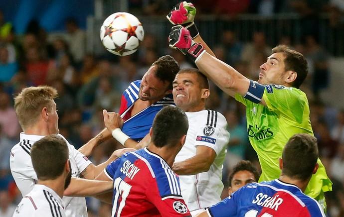 Casillas Real Madrid Basel (Foto: Reuters)