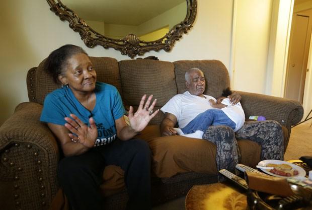 Lester Stiggers está com 63 anos e vive com Delphine Hopkins (Foto: Carlos Osorio/AP)