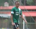 Botafogo desiste de Victor Luis; Carlinhos, do Coritiba, vira opção