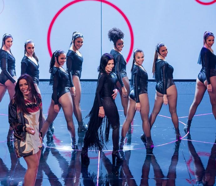 Que isso, Dona Miriam? Puxou a Anitta bem! (Foto: Isabella Pinheiro/Gshow)
