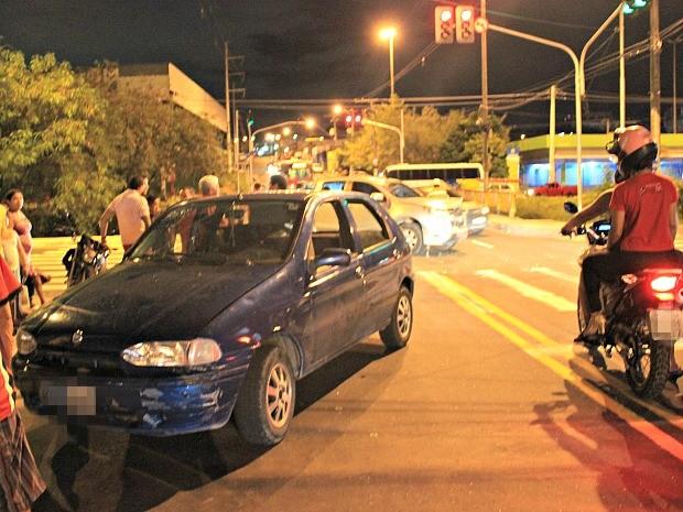 Acidente ocorreu no bairro Petrópolis, nesta terça (15), em Manaus (Foto: Ive Rylo/ G1 AM)