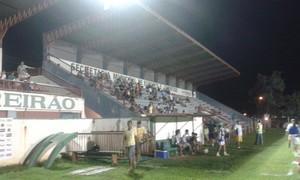 Estádio Pereirão, em Paraíso do Tocantins (Foto: Beto Naves/TV Anhanguera)
