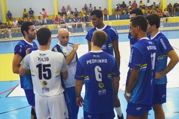Equipe masculina São José Vôlei Jogos Regionais  (Foto: Tião Martins/PMSJC)