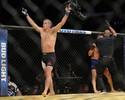 Joe Lauzon dá show e nocauteia  Diego Sanchez em pé no UFC 200