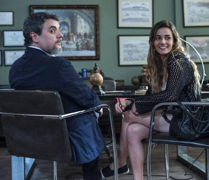 Priscila e Cássio nos bastidores das gravações (Foto: Globo/Estevam Avellar)
