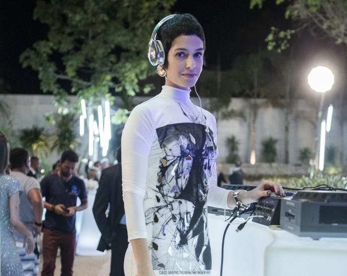 Maria Flor interpreta da DJ Flávia (Foto: Raphael Dias/Gshow)