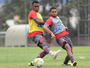 Com Deivid, Atlético-PR volta aos treinos no CT; André Lima é poupado