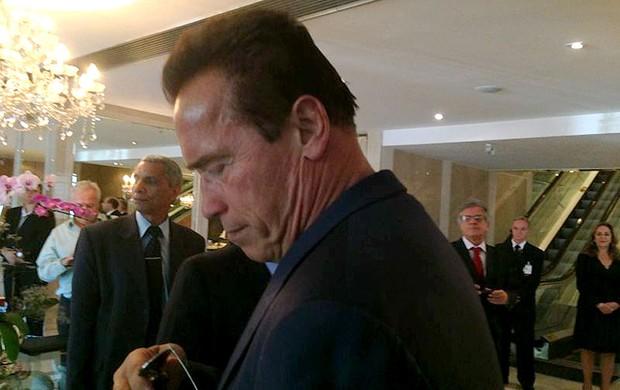 Arnold Schwarzenegger chegada MMA Brasil (Foto: Amanda Kestelman)