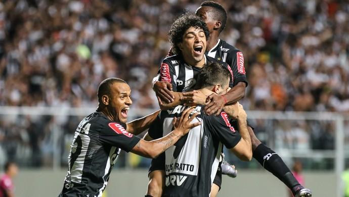 Lucas Pratto e Luan, gol, Atlético-MG x Independiente del Valle, Libertadores (Foto: Bruno Cantini/ Flickr Atlético-MG)
