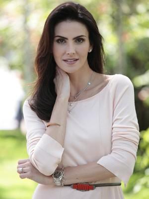 Lisandra Souto se emociona com carinho do público (Foto: Salve Jorge / TV Globo)