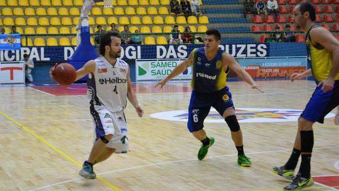 Mogi das Cruzes x São José jogo-treino basquete (Foto: Cairo Barros)