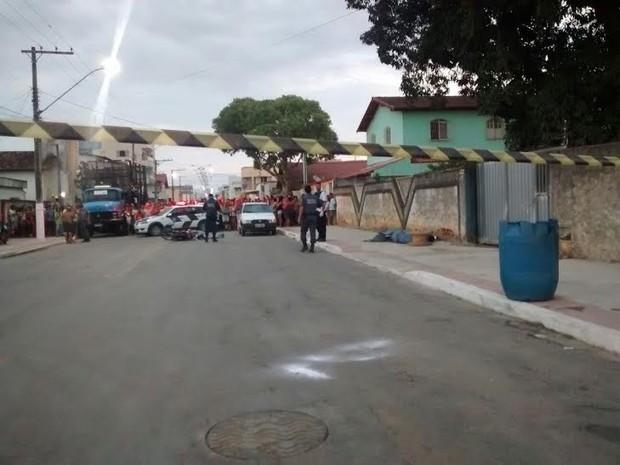 Troca de tiros deixa dois mortos em Linhares, no Espírito Santo (Foto: Ariele Rui/ TV Gazeta)