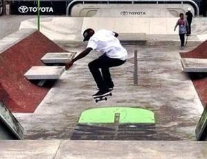 Theotis Beasley skate  (Foto: Reprodução / Facebook)