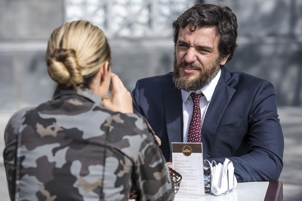 'Você sabe que seu depoimento vai ter um peso grande na decisão do juiz...', diz Caio (Foto: Fábio Rocha/Gshow)