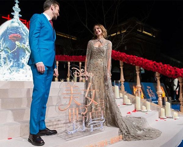 O vestido de gala Elie Sabb foi feito com o tule que sobrou de outros vestidos da maison (Foto: Reprodução/Instagram)