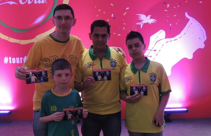 tour da taça copa do mundo taça porto alegre (Foto: Eduardo Deconto/GloboEsporte.com)