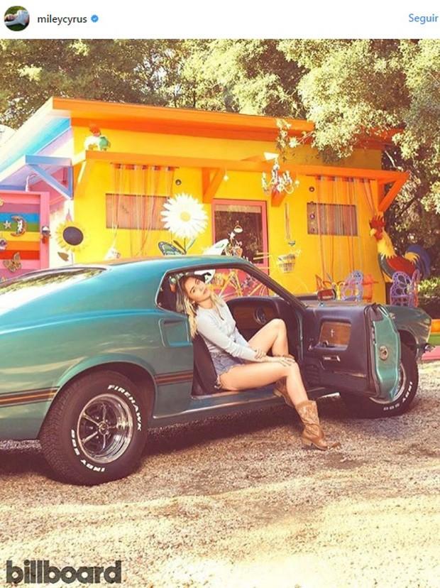 Miley Cyrus revela estúdio particular todo colorido (Foto: reprudução)