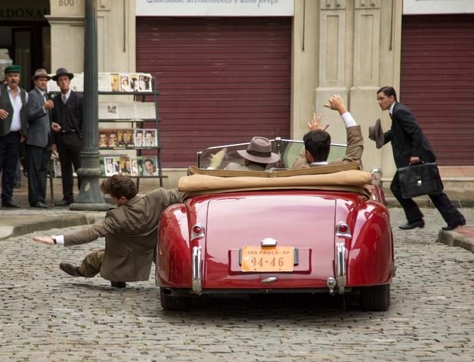 Romeu perde o carro por falta de pagamento (Foto: Fabiano Battaglin/Gshow)