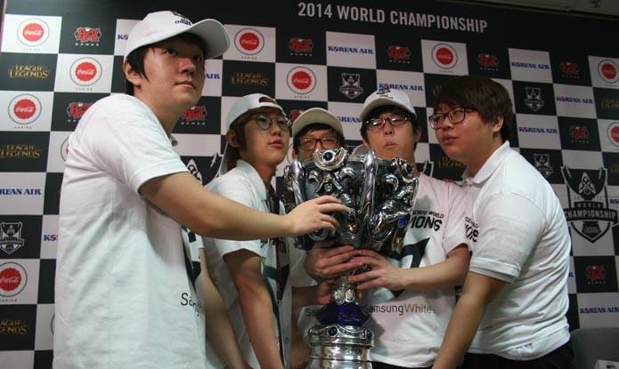 Final de LoL em 2014 foi na Coreia do Sul, equipe Samsung White foi vitoriosa (Foto: Felipe Vinha/TechTudo)