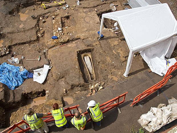 Visão geral do sítio arqueológico, localizado no subsolo de estacionamento (Foto: Universidade de Leicester)