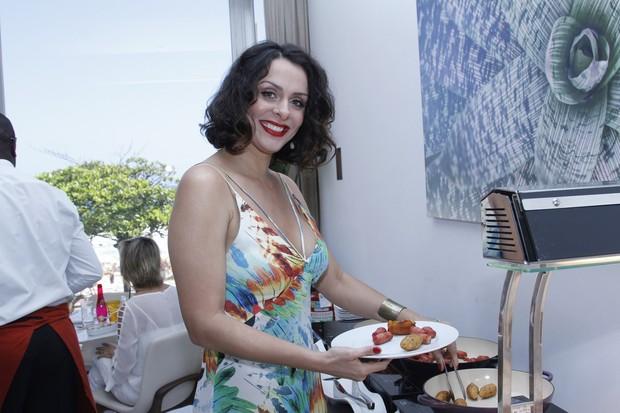 Vanessa Machado reaparece em feijoada no Rio (Foto: Vera Donato / Divulgação)