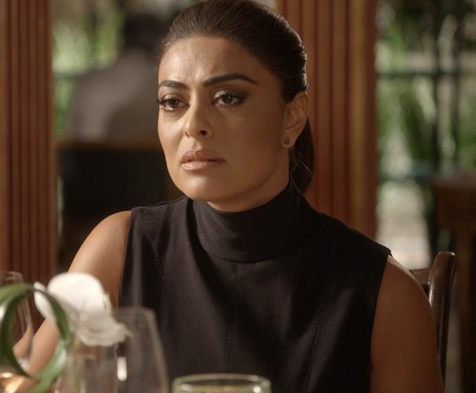 Carolina fica chateada com a negativa de Arthur e chora (Foto: TV Globo)