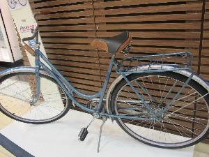 Modelo de 1948 é o mais antigo em exposição (Foto: Anna Gabriela Ribeiro/G1)