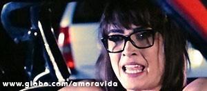 Patrícia fica pasma ao ver o advogado  (Foto: Amor à Vida/TV Globo)