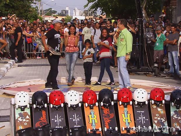 Um por Todos, Todos por Um ajudou projeto de skate de São Paulo (Foto: Caldeirão do Huck/TV Globo)