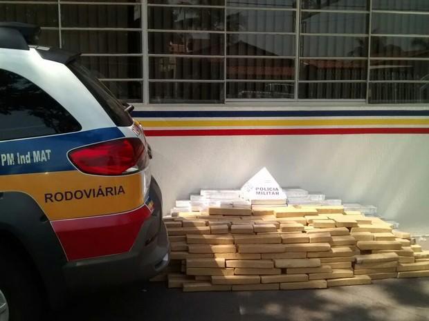Maconha, apreensão Itapagipe, Polícia Militar Rodoviária, Frutal (Foto: Polícia Militar Rodoviária de Frutal/Divulgação)