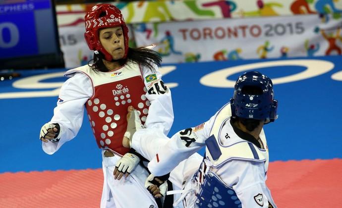 Julia Vasconcelos x Paige Mcpherson taekwondo pan-americano 2015 (Foto: Alejandro Ernesto/EFE)