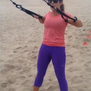 Fernanda Souza beach training Bruno D'Orleans (Foto: Arquivo Pessoal/Instagram)