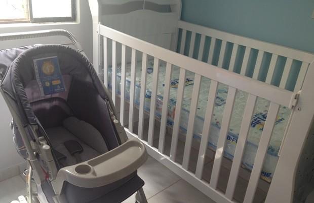 Quarto estava pronto para receber bebê na casa de Shayda (Foto: Fernanda Borges/G1)